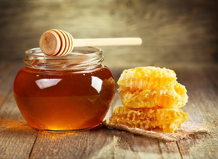 مين جربت شرب العسل مع الماء على الريق و كيف كانت النتيجه